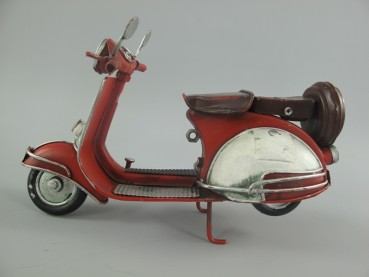 Retro Scooter in rot